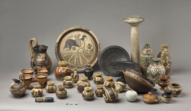 Vases grecs, Rhodes  © RMN-GP (musée du Louvre) / Stéphane Maréchalle