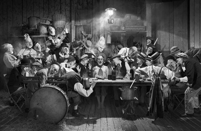 Michel Lagarde, Un os dans la soupe, Tirage argentique sur bâche 200 x 300 cm