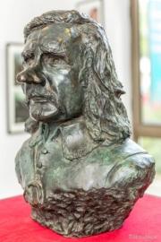 B. de Soui, Gérard Depardieu en Cyrano de Bergerac, 1996, bronze, H. 50 cm © Collection Kathia David et Thomas Sertillanges (photo © Philippe Afrigan)