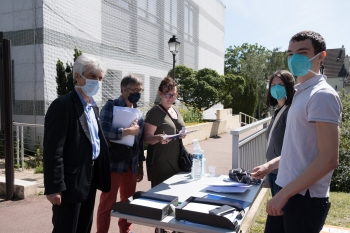 Distribution de masques aux professionnels de santé