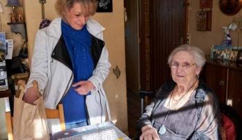 Les aides à domicile apportent du réconfort aux seniors